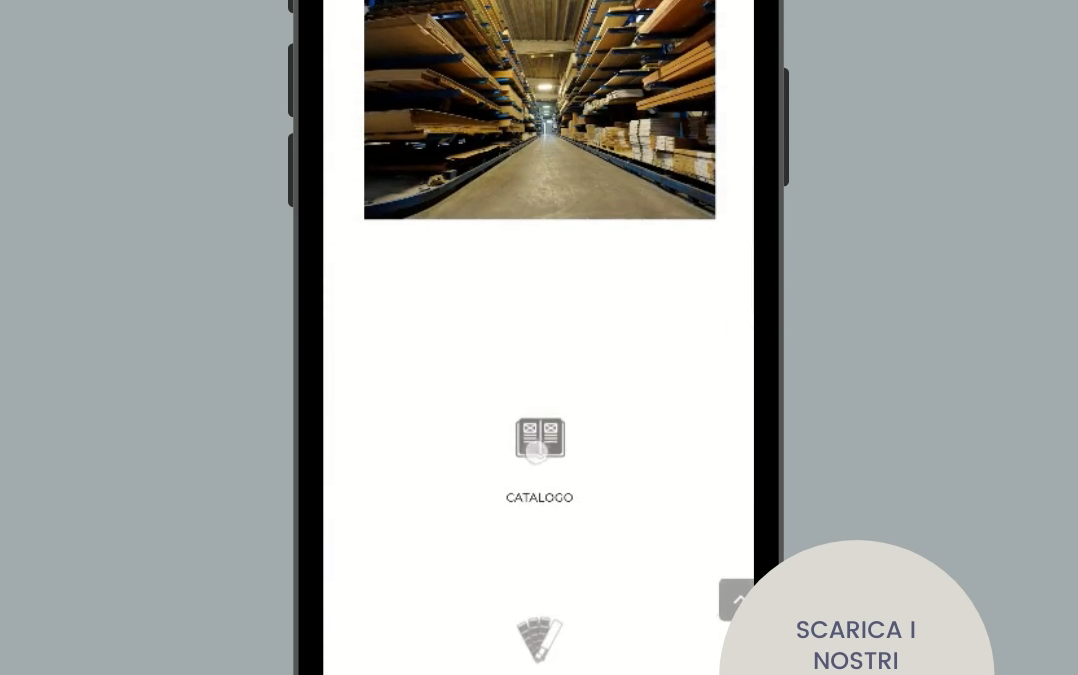 foto di un telefono con homepage sito web serugeri
